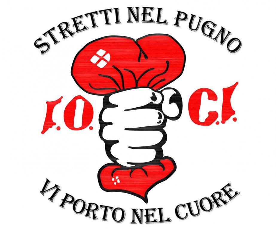 Stretti_nel_pugno